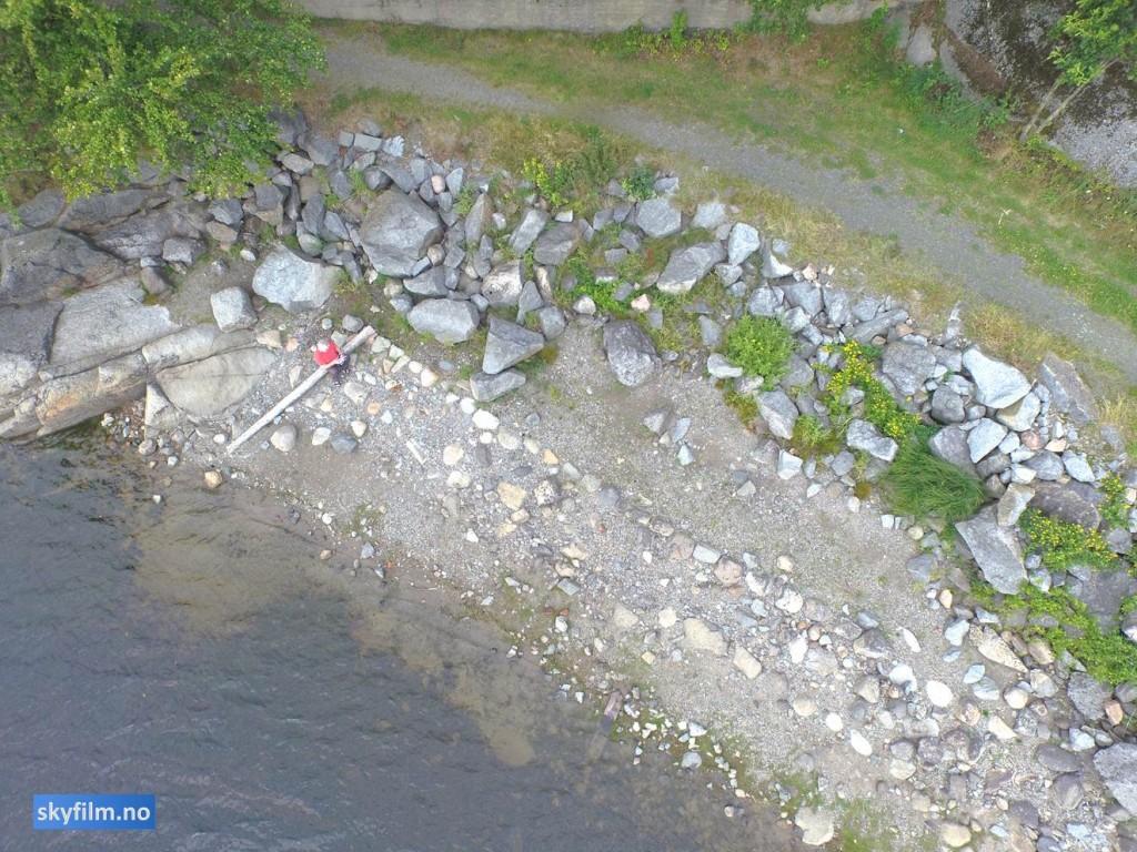 stranda med steinrader